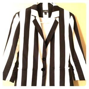 Bebe Black & White Stripped Blazer
